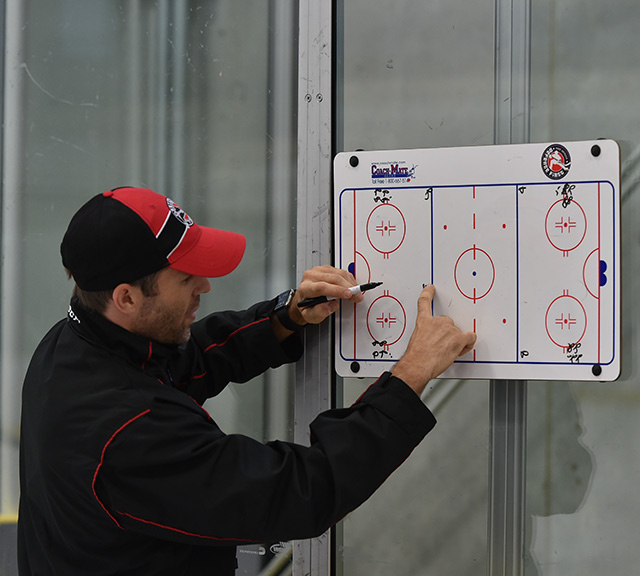 Keith Gretzky using Coachmate board